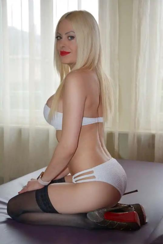 Sabrina  escort